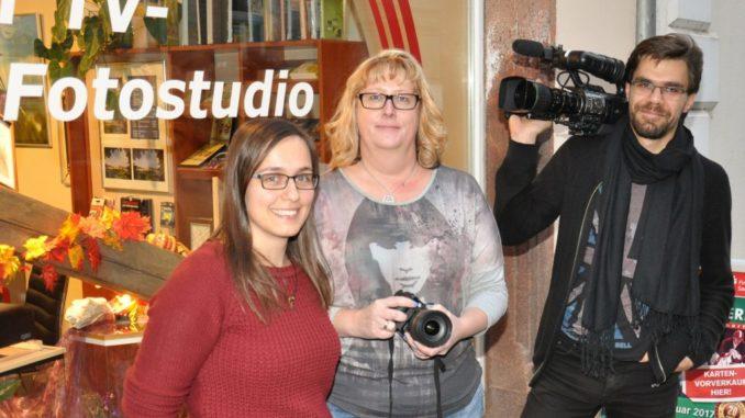 (v.l.n.r. Astrid Sonntag – Marketing, Jana Gerundt – Geschäftsführung, Nils Geldner – Foto & Film)
